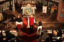 Duo HORA mit dem Stück Morgenstern in der ev. Kirche (Foto W. Eismann)