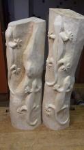 Schmidt-Fragnon - Mein Hobby ist seit Anfang der Achtziger Jahre das Holzschnitzen. Immer wieder habe ich Holzstämme und Äste verschiedener Holzarten wie Eiche, Zwetschge, Apfel, Linde und andere geschenkt bekommen. Beim Betrachten der einzelnen Hölzer habe ich mir dann überlegt, was mach ich draus und was kann denn in diesem Holz für eine Figur stecken. Ist es ein Relief eines Kopfes, ein Seepferdchen, eine Spinne oder vielleicht eine Schildkröte. Bisher habe ich immer etwas Schnitzwürdiges in den Hölzern gefunden.